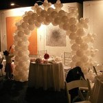 A single-color balloon arch offers a fun, classic look.