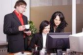 ¿Qué necesitan saber los supervisores sobre las leyes HIPAA y COBRA?