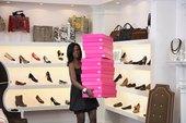 Cómo empezar un negocio de tienda de zapatos