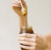 Eating wildflower honey may reduce the symptoms of seasonal allergies.