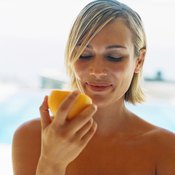 Eating citrus fruits rich in vitamin C can improve joint health.
