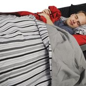 Get a good night's sleep to prevent muscle breakdown while bodybuilding.