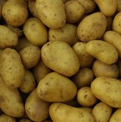 Consume boiled potatoes as a source of potassium, copper, vitamin C and other essential nutrients.