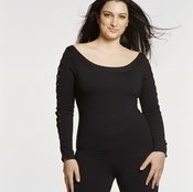 Muscle development and healthy weight gain can help you get curvy.