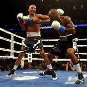 A 5.5-inch reach disparity didn't keep Ward from victory against Dawson.