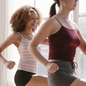 Wear stretchy clothing while doing aerobics.