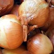 Boil your onions for a meal rich in vitamin C.