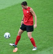 U.S. star Abby Wambach juggles the ball, an activity that helps with trapping skills.