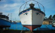 How to Apply a Clear Gel Coat to a Fiberglass Boat