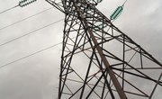 What Is the Difference Between Electrical Poles & Phases?