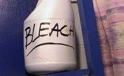 Oxygen Bleach Vs. Chlorine Bleach
