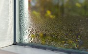 What Are the Causes of Evaporation & Condensation?