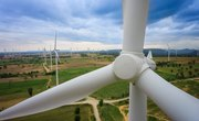 How Does Electricity Move From the Wind Turbine to the Businesses and Communities That Buy It?