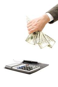 Usa los procesos y procedimientos contables para determinar el flujo de fondos.