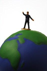 Un propietario único de un negocio exitoso puede sentirse como si estuviera en la cima del mundo.