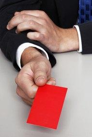 Haz que tu tarjeta de negocios resalte agregando elementos de color.