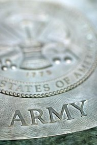 El Departamento del Ejército acepta solicitudes de empleo por medio de la página web USAJOBS.