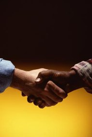Las alianzas estratégicas bien estructuradas pueden mejorar la rentabilidad y permitir que una empresa entre más fácilmente a nuevos mercados.