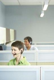Los operadores telefónicos que hacen llamadas frías deben comenzar las llamadas temprano en la mañana.