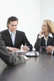 La vestimenta de negocios formal es común en los trabajos de las finanzas.