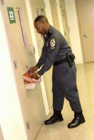 Tienes que completar un entrenamiento para obtener la licencia de seguridad.