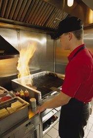 Toma en cuenta alguno de los varios trabajos para adolescentes donde se pague mejor que en los restaurantes de comida rápida.
