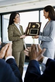 Los programas de premios a los empleados tienen que ser significativos para que tengan éxito con los empleados.