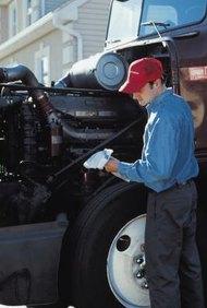 Los mecánicos diésel necesitan contar con una variedad de habilidades y aptitudes para tener éxito en su empleo.