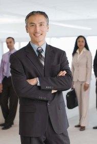 El vicepresidente de operaciones es una de las posiciones más altas dentro de una empresa u organización.