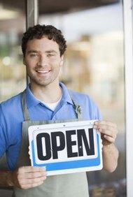 Abre una tienda de dólar con un presupuesto de USD$5.000.