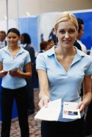 Los folletos pueden ser distribuidos en conferencias de negocios o eventos comunitarios.