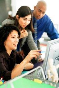 Ya sean pequeñas o grandes, cada empresa debe considerar la forma en que se diseña su organización y estructura.