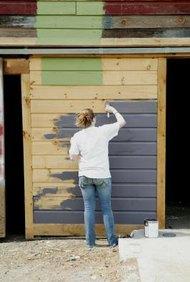 Comenzar un negocio de pintura requiere habilidad y visión para los negocios.