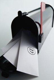 Windows Live Mail y Outlook 2010 incluyen las opciones de correo electrónico no deseado para bloquear remitentes no deseados.