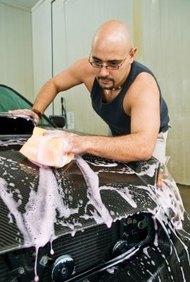 Realiza estudios de mercado y crea un plan de negocios para aumentar las posibilidades de éxito del lavado de automóviles.