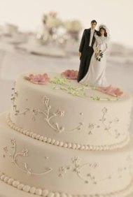 Se necesita el talento de muchos para diseñar una decoración de boda.