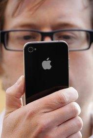 Los usuarios de iPhone pueden conectarse a la VPN de la empresa para acceder al correo electrónico de la misma.