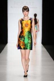 La industria de la moda tiene su dosis de individuos altamente competitivos que luchan por los trabajos como modelos.