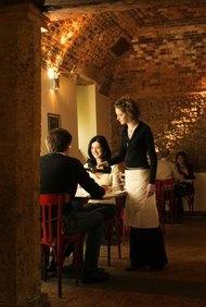 Los restaurantes funcionan de forma más eficiente con camareros bien entrenados y con conocimientos.