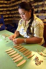 Los materiales hechos a mano al por mayor se ofrecen en la industria de las manualidades.