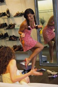 Emociona a toda tu comunidad con tu línea de calzado.