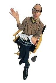 Los directores comerciales consultan los guiones gráficos durante el proceso de filmación.