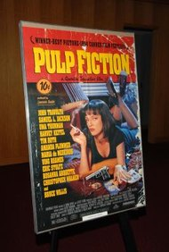 Un póster publicitario hecho para una película es una de las formas más llamativas de anunciar un filme.