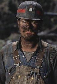 Dependiendo de la actividad que realicen, los mineros reciben su sueldo.