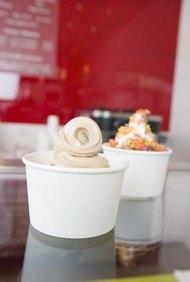 Conoce tus costos y clientes antes de empezar un negocio de yogur congelado.
