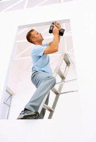 El seguro de responsabilidad civil te protege a ti y a las empresas que contrates.