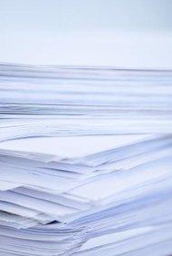 El papel de copia normal no te ayudará a detectar problemas de alineación con las etiquetas.