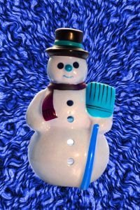 Make a Snowman From Styrofoam balls