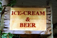 Making your own decorative signs is an easy craft project.