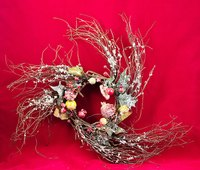 Grapevines may be woven into a wreath and decorated in a variety of ways.